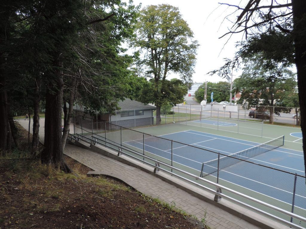 Chocolate Lake Tennis Courts